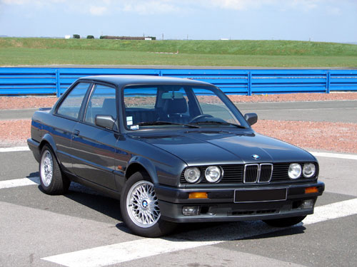 BMW Série 3 325is e30